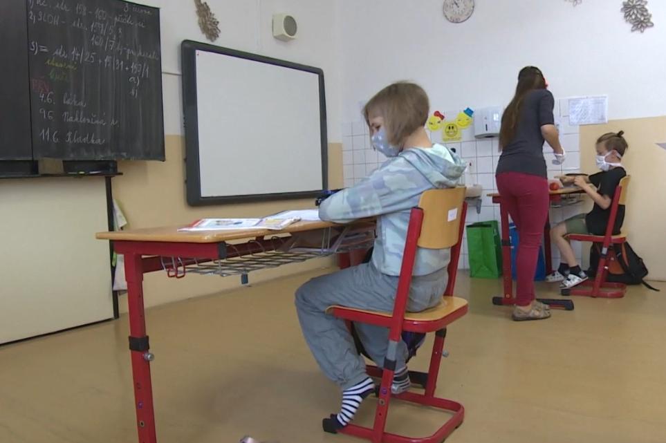 Ředitelé středočeských škol se s mimořádnými opatřeními vyrovnali